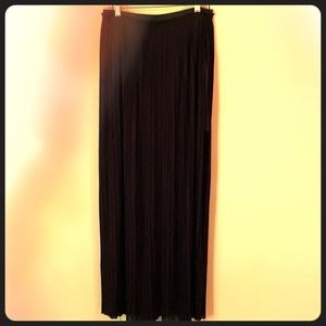 LUSH PLEADED LONG MAXI BLACK SKIRT SIZE LARGE